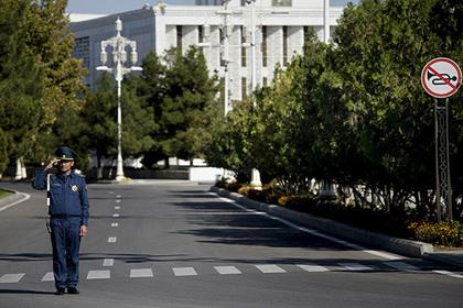 В Туркмении цветные автомобили объявили вне закона Туркменистан, Авто, Абсурд
