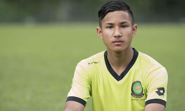 Самый богатый футболист мира выступает за молодежную команду Лестера. Футбол, Бруней, Фаик Болкиа, Богатство, Длиннопост