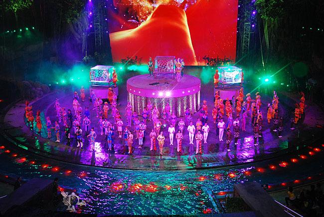 Chimelong International Circus! Одно из моих мест работы! Частично моё, Цирк, Интересное, Китай, Артист, Искусство, Работа, Длиннопост