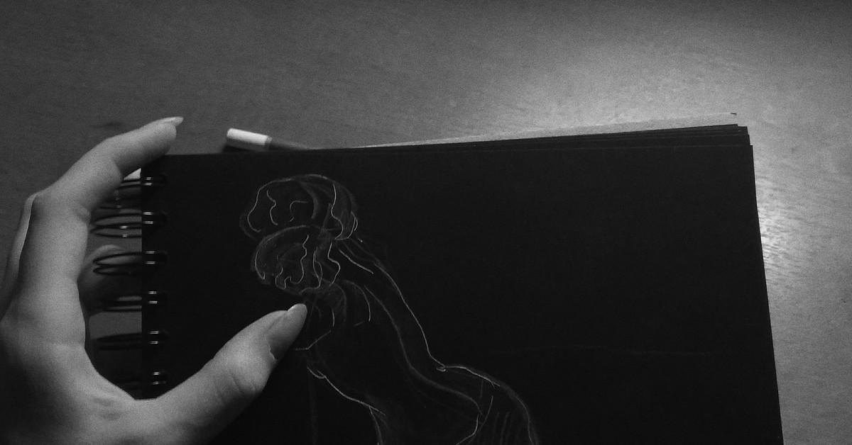 Картинки на черной бумаге белой ручкой для скетчбука