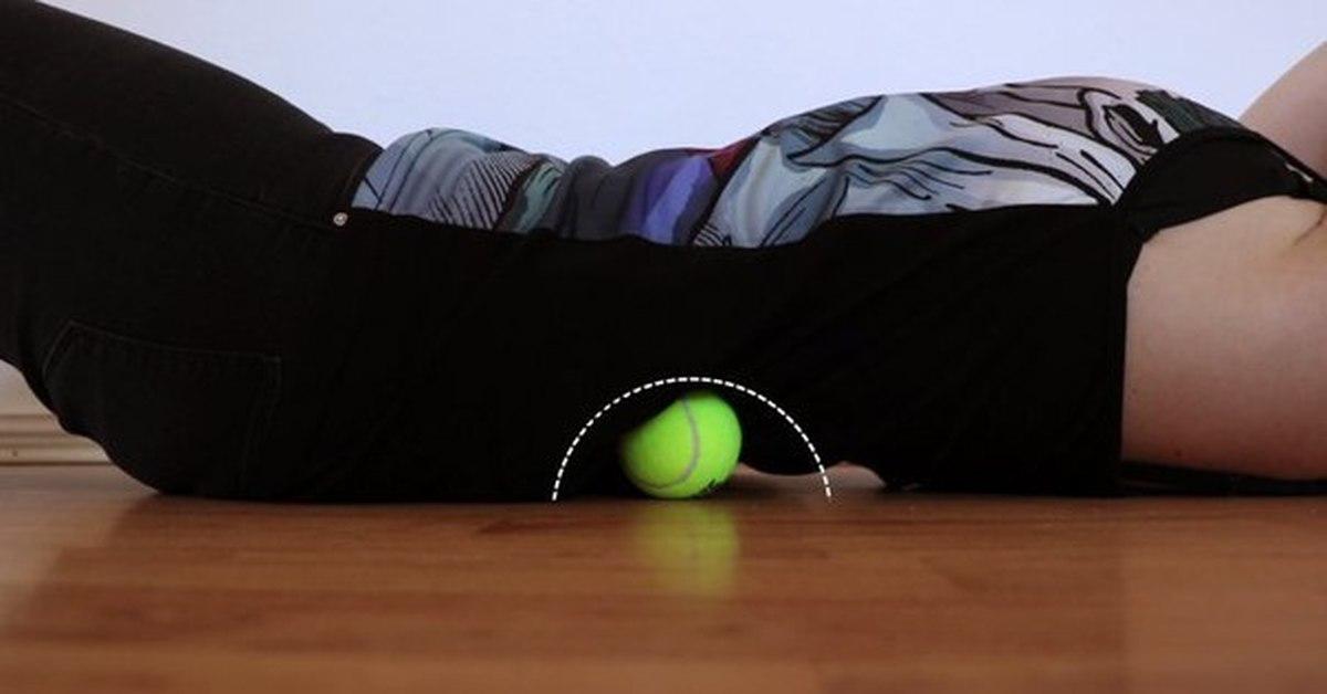 Упражнения для позвоночника с теннисным мячом