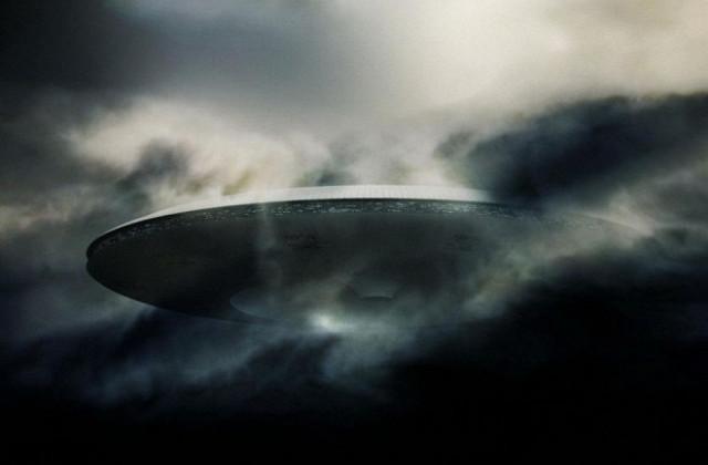Вторжение началось: у МКС появился огромный НЛО Инопланетяне, Вторжение, НЛО