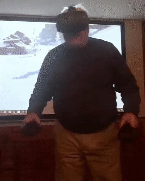Столкнулся с виртуальной реальностью.