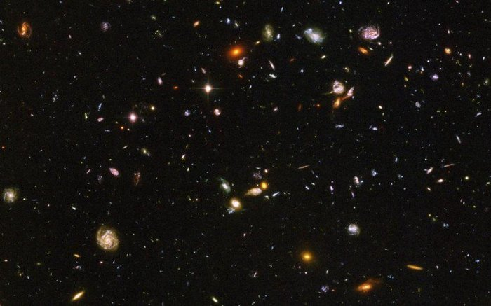 hubble galaxy field - HD 1600×1084