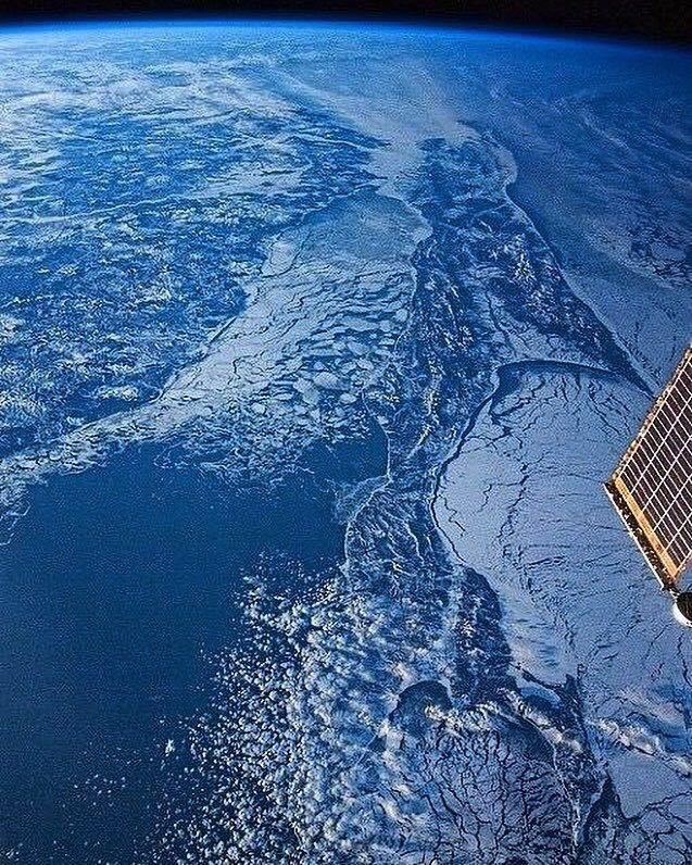 Год назад тут была фотка Сахалина с космоса. Добавлю свежака.