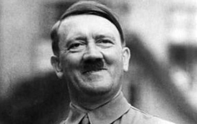 Флэшбэки Евреи, Адольф Гитлер