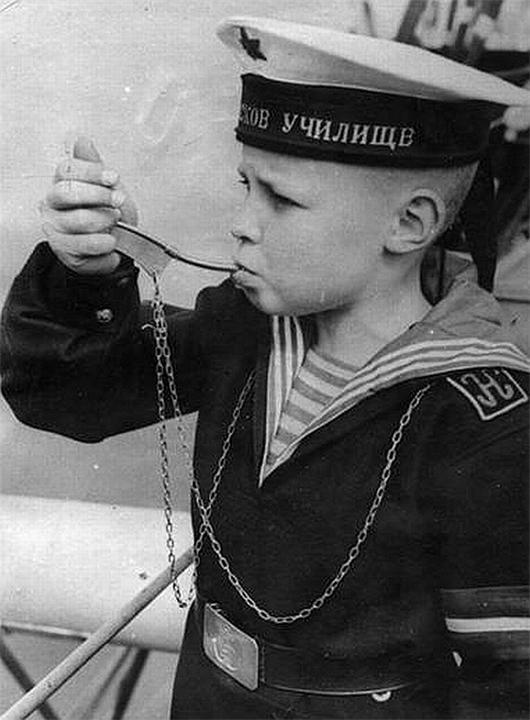 5 февраля 1925 года Приказом по РККФ в советском военно-морском флоте впервые была введена боцманская дудка. Военный флот, Символика, СССР, История, Дата, Длиннопост