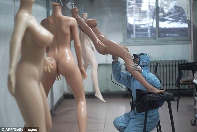 Секс с реалистичнои куклои