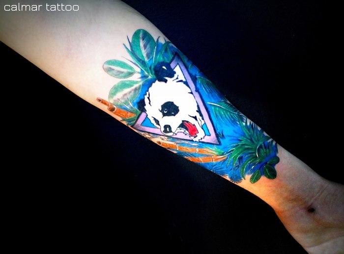 Панда в  окружении Джунглей Злая панда, Тату, Джунгли, Бамбук, Треугольник