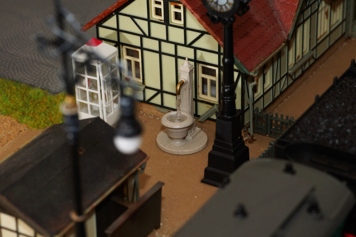 Строю макет железной дороги. Продолжение... Иммитация мерцания телевизора в окнах комнаты здания мельницы. Макет, Железнодорожный макет, Макетирование, Моделизм, Железнодорожный моделизм, Модель, Видео