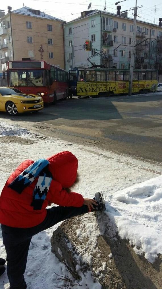 На фоне ДТП. Усть-Каменогорск, ДТП, Трамвай, Автобус, Тренировка, Camaro, Фотография
