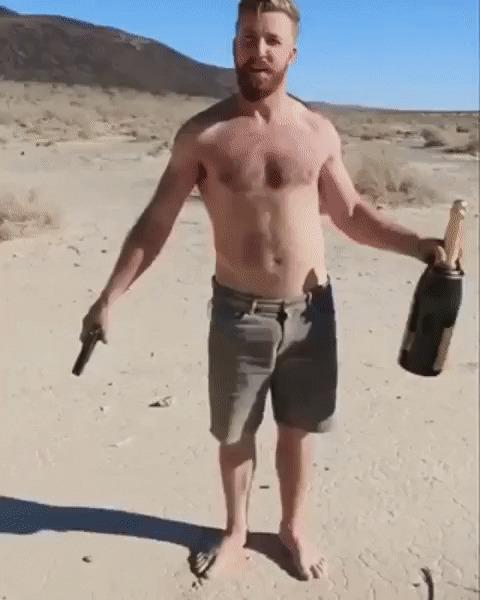 Секс парни или женщине бутылку газировки видео