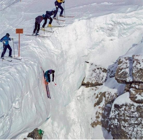 США Corbet's Couloir, Джексон Хоул, Вайоминг Лыжи, Спуск с горы