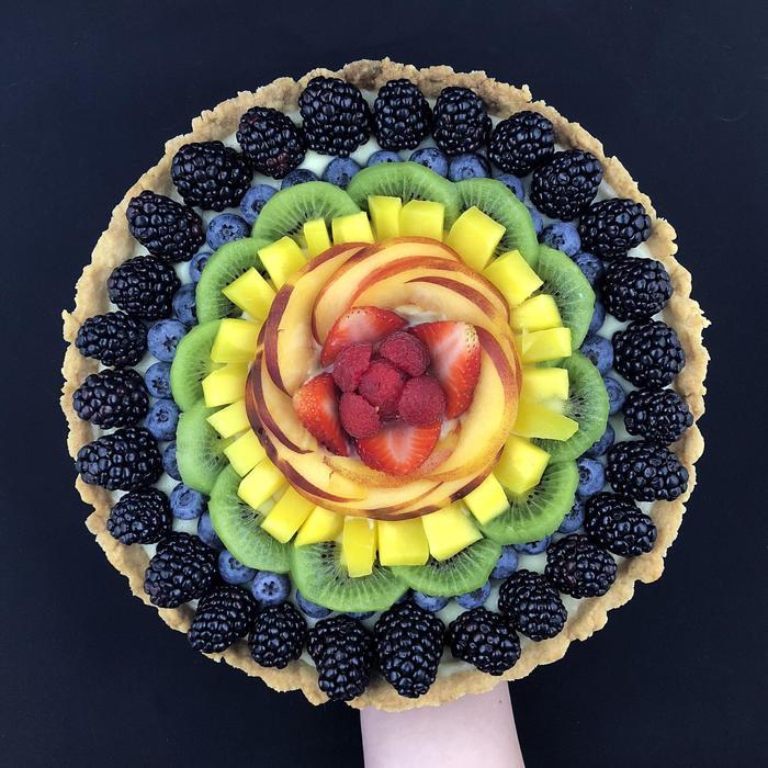 Радужный фруктовый торт