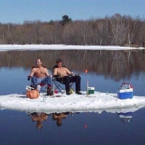 Скоро, на всех реках страны Рыбалка, Зима, Мчс, Слабоумие и отвага, Льдина, Рыбак, Фотография