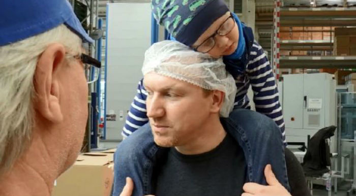 Мужчина хотел бросить работу, чтобы ухаживать за больным раком сыном, но коллеги отработали за него 3300 часов Германия, коллеги, Болезнь, bigpictureru, длиннопост, онкология, рак