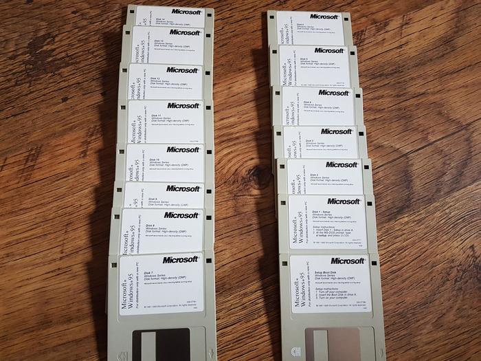 15 дискет для установки Windows 95