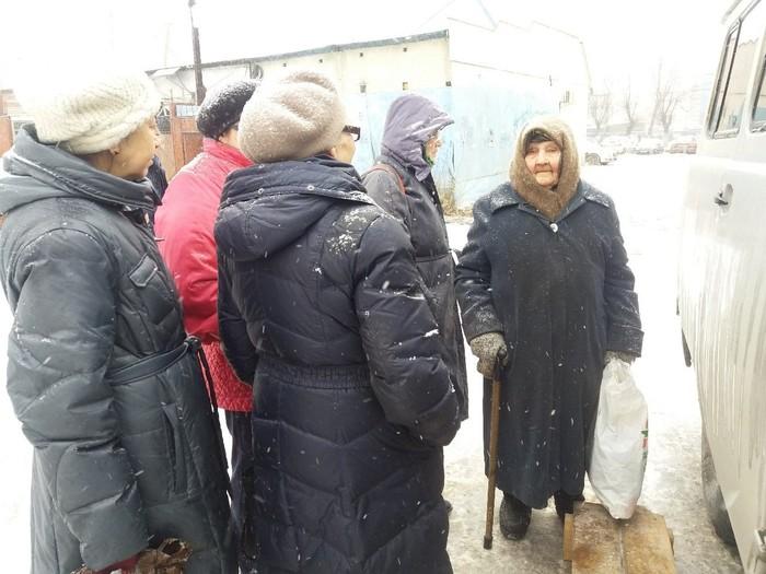 Челябинскому фельдшеру, который лечит бездомных, прислали посылку с лекарствами