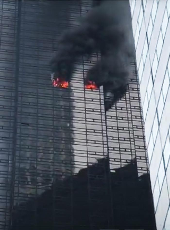 Пожар в Трамп тауэр 56 этаж Первый пост, Пожар, Америка, Трамп, Тауэр, Небоскреб