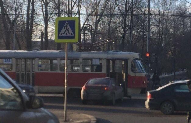 Когда пытался успеть на трамвай несмотря ни на что)) Екатеринбург, Трамвай, ДТП