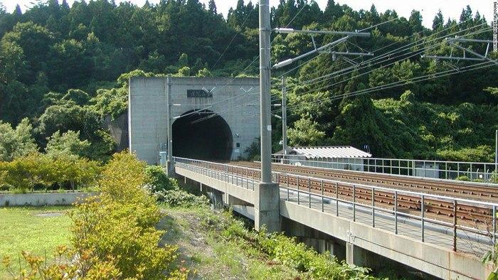 Сейкан - железнодорожный тоннель в Японии длиной 53,85 км Мост, Сэйкан, Тоннель, Япония, Длиннопост