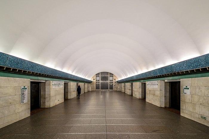 Наконец-то станцию метро «Василеостровская» расширили на 2 двери! 50 лет, как-никак! Санкт-Петербург, Метро, Василеостровская