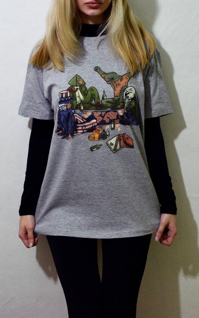 Немного заговора на футболке :)