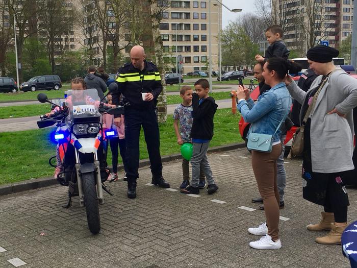 День открытых дверей в полицейском участке Нидерланды, Амстердам, Голландцы, Полиция, День открытых дверей, Жизнь за границей, Видео, Длиннопост