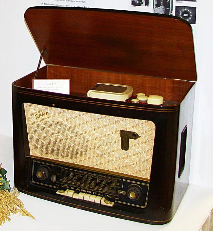 Тефифон - предок кассет и стримеров. Тефифон, Аналоговая запись, Звук, Аудиотехника, История музыки, Видео, Длиннопост