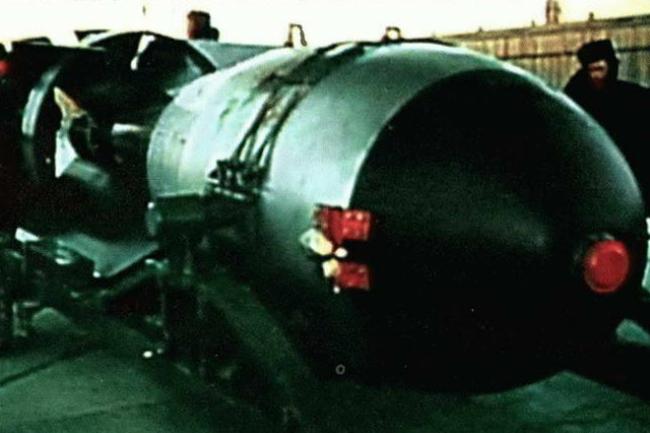Как выглядит реальный взрыв водородной бомбы, снятый на советском полигоне Видео, Водородная бомба, Взрыв, Полигон, СССР, Длиннопост