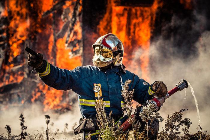 День памяти погибших сотрудников МЧС Мчс, День памяти, Пожарные, Спасатель, Огонь, Длиннопост