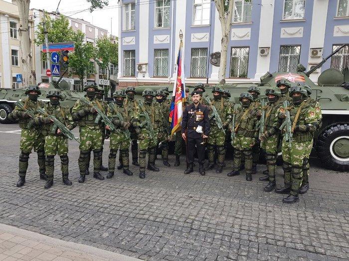 Личный состав ОРБ «Спарта» ВС ДНР поздравляет всех с праздником Великой Победы! Спарта, Донецк, Фотография, 9 мая, ДНР, Политика