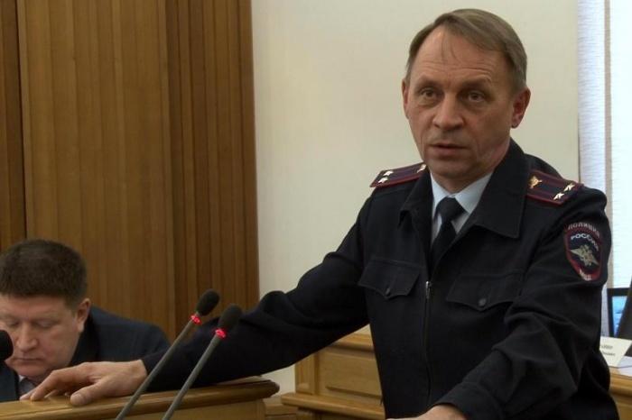 Высокопоставленный екатеринбургский полицейский пьяным устроил ДТП в центре города.