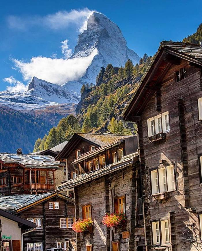 Маттерхорн — вершина в Альпах на границе Швейцарии и Италии