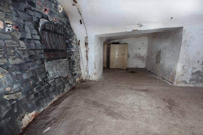 Заброшенный бар в скальном убежище Урбанфакт, Заброшенное бомбоубежище, Длиннопост