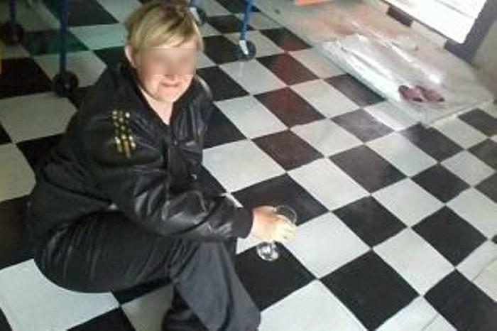 Муж ложит жена изменила мужу с электриком фото красноярске