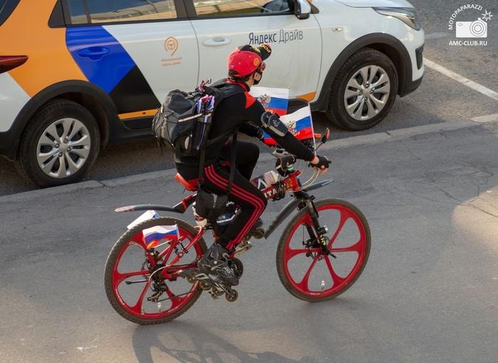Когда не определился, на чем покататься Велосипедист, Роллер, Юмор, Москва