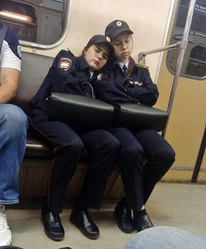 Такие милые будущие полицейские Полиция, Милиция, Сон, Метро