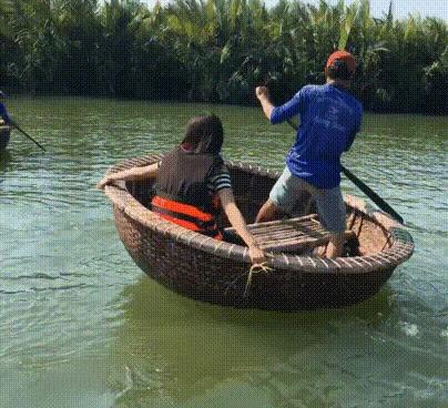 Вьетнамский головокружительный аттракцион для туристов