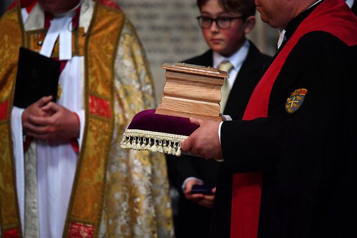 В Вестминстерском аббатстве похоронили ученого Стивена Хокинга Стивен Хокинг, Физики, Вестминстерское аббатство, Длиннопост