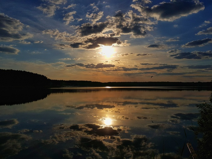 Закат на озере Бисерово Озеро, Бисерово, Закат, Солнце, Вода