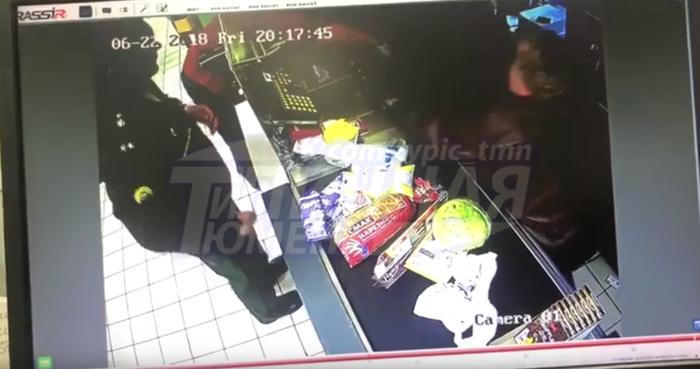 В Тюмени пьяная покупательница избила кассира замороженной курицей Тюмень, Новости, Пятерочка, Избиение, Негатив