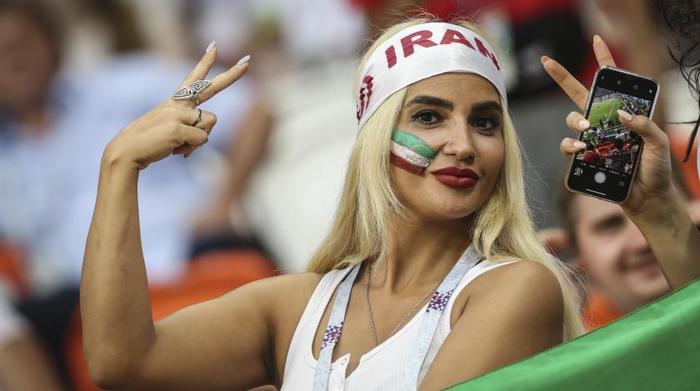 porno-molodih-iranskih-devushek-zhenshina-uchit-patsana-seksu-porno