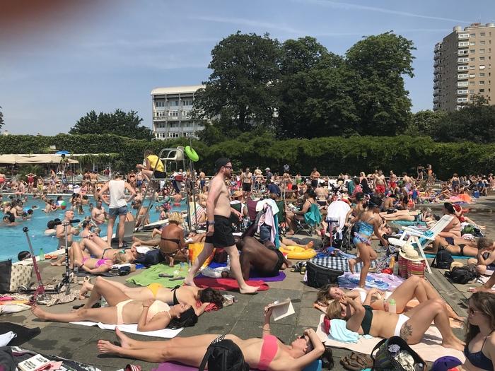 Лето это не для Лондона Англия, Бассейн, Лето, Длиннопост