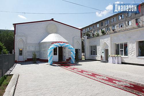 Подарок от Ербола Байжаркинова: студенты в Актобе могут сыграть свадьбу бесплатно Казахстан, Предприниматель, Свадьба, Бесплатно!, Актобе, Длиннопост