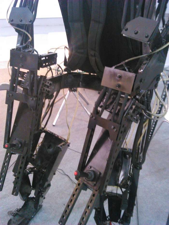 Крутая самоделка - силовой экзоскелет своими руками
