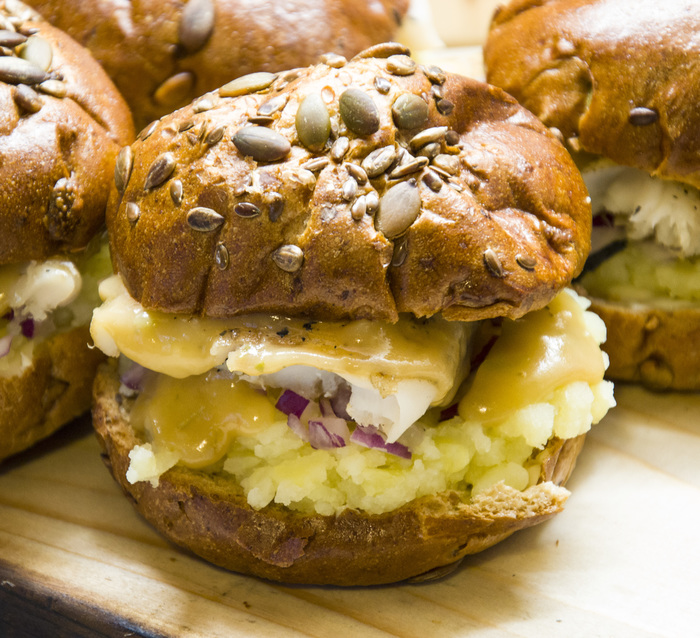 Шведский бургер с пивным соусом. Еда, Рецепт, Рыба, Швеция, Копчение, Бургер, SonOfRocketman, Dinoburger, Длиннопост
