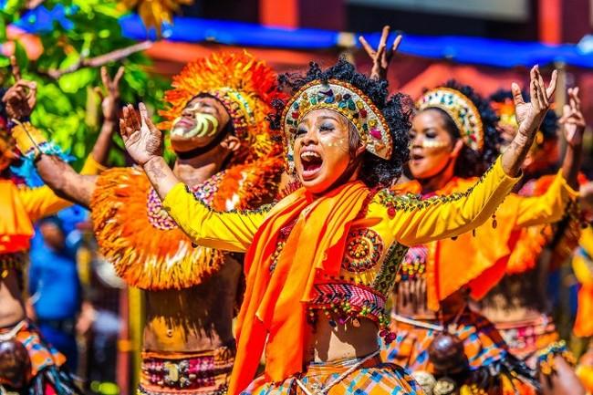 Танцы бразильские телки 1