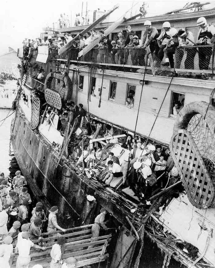 Извлечение англичанами еврееа с «Исхода» порт Хайфа,1947 год Англичане, Евреи, Длиннопост, Исход