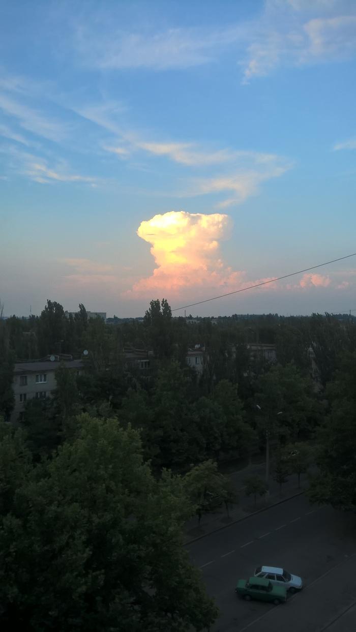 Просто облако в вечернем небе